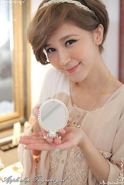 8000元VIP小禮-白色法式手拿鏡(只送不賣)(圖一)