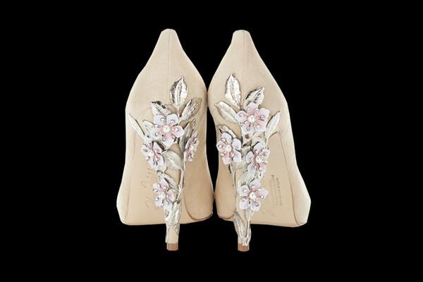 Sakura_nude_heels_grande.jpg