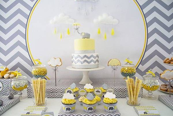 elephant-baby-shower-cake-640x429
