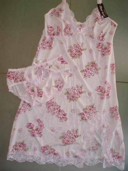 A2 - 粉红色花花两套式睡衣
