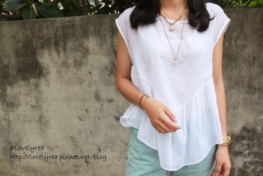 白上衣 (2)
