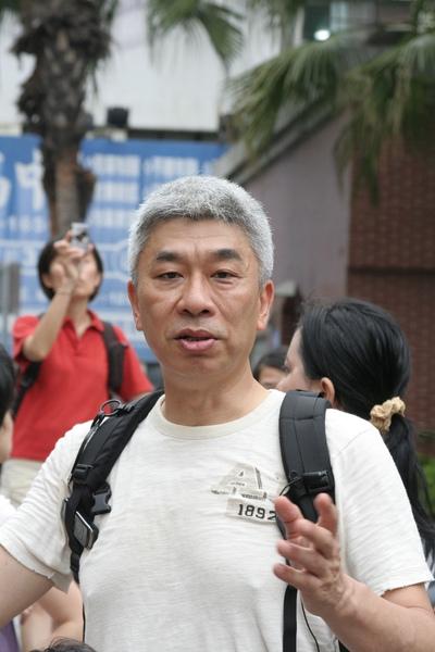 倪重華老師獨照.JPG
