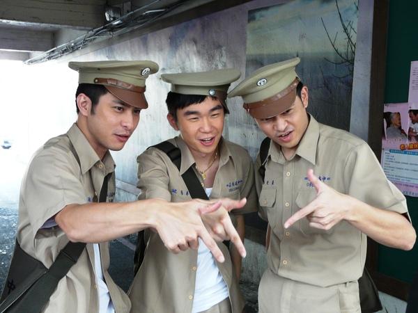 范植偉(左起)、林健輝、黃玉榮《流漂仔》演出「貓王三人組」.JPG