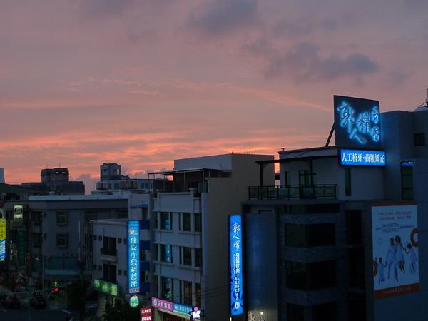 98.08.15台南新市的天空