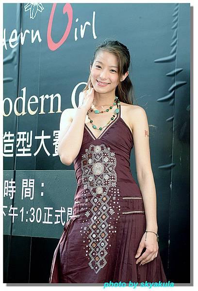 20051022Modren Girl代言_04