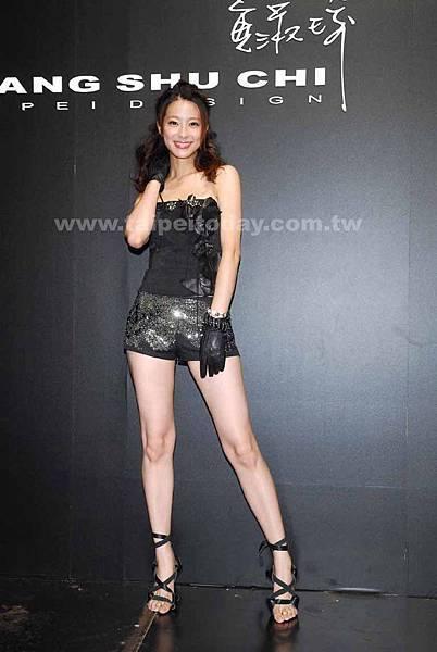 20060919出席黃淑琦2006秋冬新裝發表會