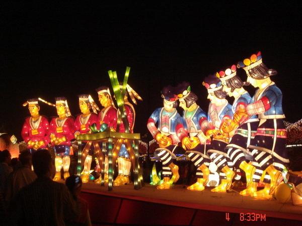原住民燈飾~