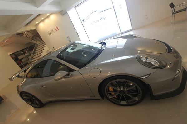 Porsche GT3-13.jpg