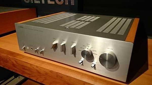 YAMAHA A-S2000 AMP