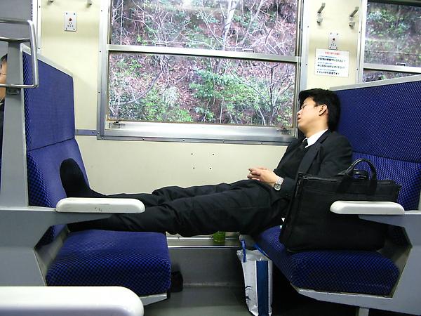 日本人也這樣喔....