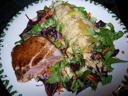 Jan062012 dinner-blackened tuna with avocado salad