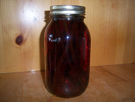 Jan182012 homemade vanilla extract