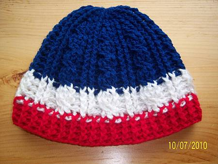 Oct072010 - crochet cable hat - 4th of July