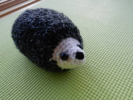 Apr072012 amigurumi crocheted hedgehog