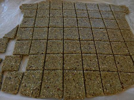 Oct182012 藜麥鹹餅乾 flourless salty quinoa crackers