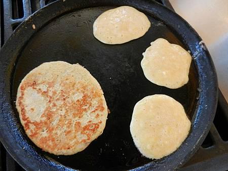 Apr172013 two-ingredient pancake 3