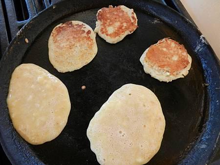 Apr172013 two-ingredient pancake 4