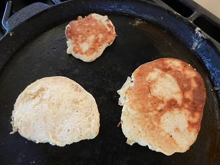 Apr172013 two-ingredient pancake 5