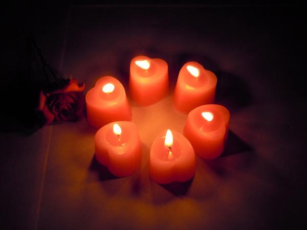 粉紅愛心蠟燭