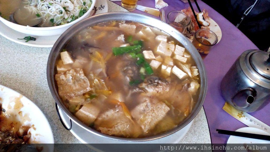 活魚三吃中的砂鍋魚頭湯