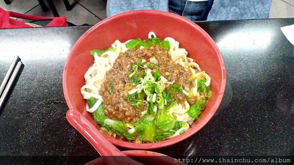 竹東美食餐廳莊記牛肉麵