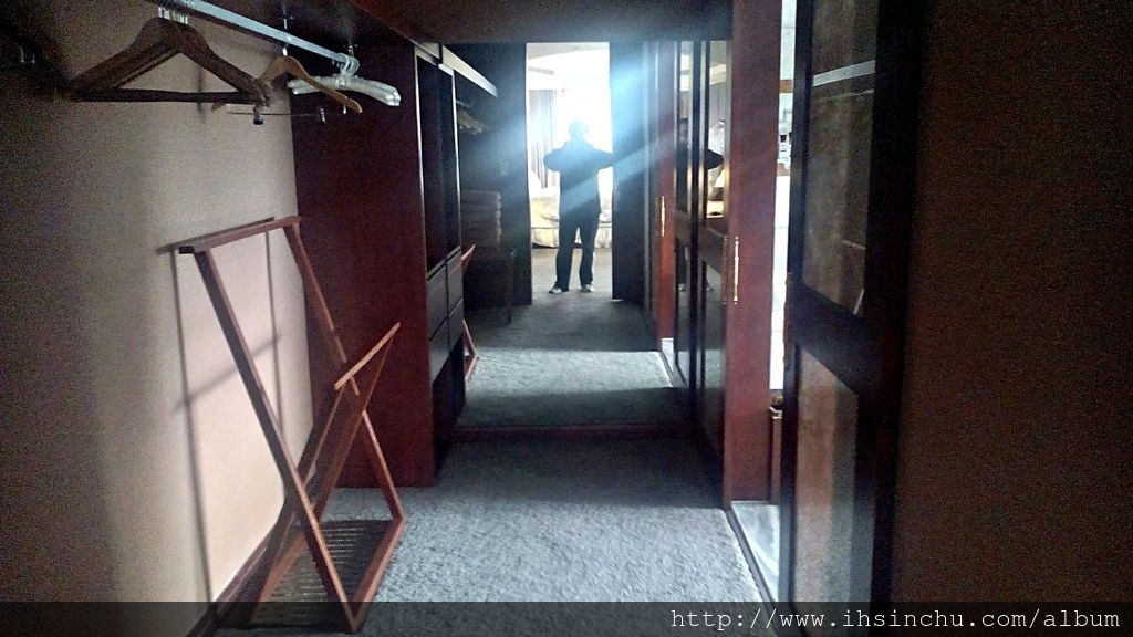 阿里山賓館總統套房內的更衣室,基本上就是把豪宅的氣派搬到阿里山就是了