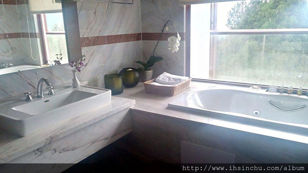 阿里山賓館總統套房浴室內的按摩浴缸