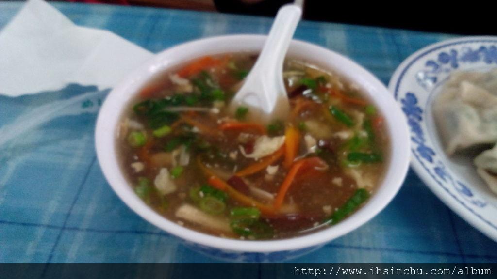 新竹美食竹東包SIR水餃的滷菜也超值得推薦,料好實在又便宜又好吃。竹東包SIR水餃真不愧是位居新竹美食名店之一。