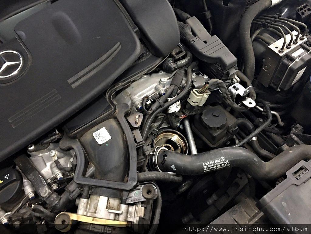 新竹賓士BMW維修保養廠推薦泳輪汽車修理廠,這台賓士C300 AMG開了三年,里程數也接近8萬公里,都是在這裡做保養維修,希望再開兩年要換新車了,新竹修車廠推薦這家評價不錯的賓士保養廠,泳輪汽車評價