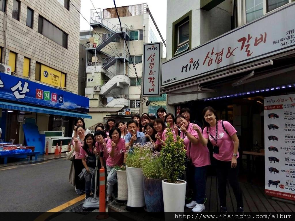 後面那個留梯在外面的劉房就是韓國明星黃致列的家喔