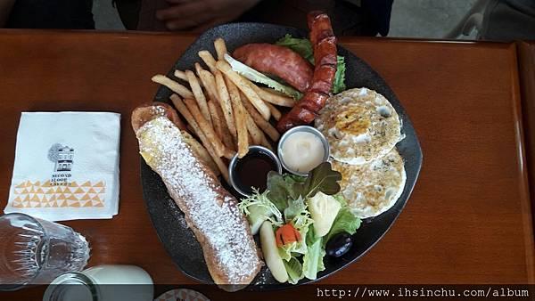 日耳曼帶骨香腸早午餐$360