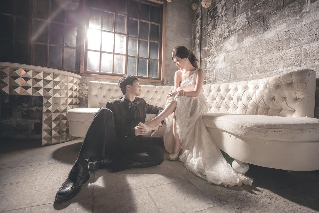 手工婚紗推薦-1+1愛的故事館