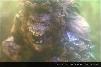 monsters2_lion_photo_01_dl.jpg