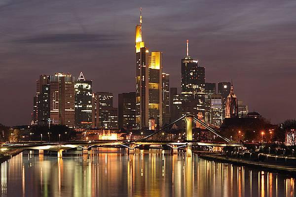 800px-skyline_frankfurt_am_main.jpg