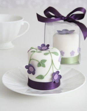purple wedding cake4