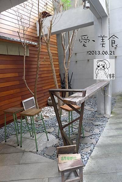P1300599-1.jpg