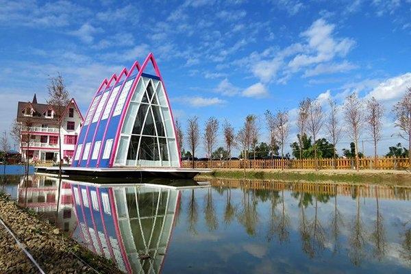 水漾森林粉紅教堂1.jpg