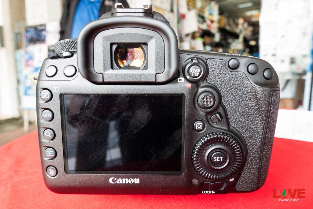 CANON 5d4-7.jpg