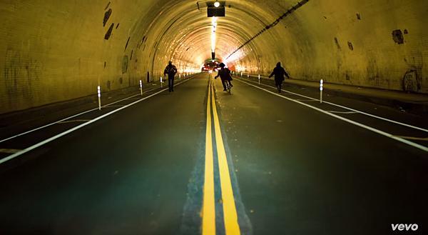 通往未來的隧道
