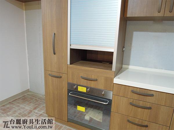 廚具案例分享-進口嵌入式烤箱及鋁捲門