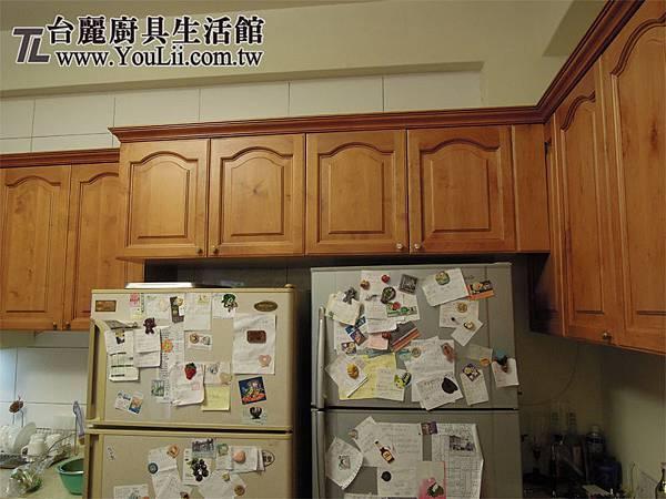 冰箱上方吊櫃