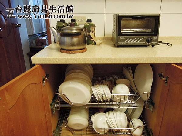 碗盤置物拉籃開門櫃