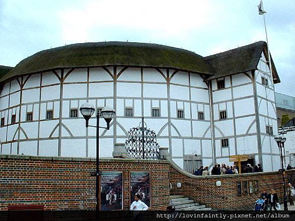 Southwark_reconstructed_globe