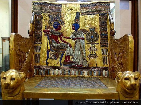 Tutankhamun-Golden-Throne-Museum-of-Antiquities-in-Cairo-Egypt
