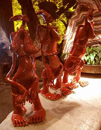 內湖景點-美麗華旁-雕塑建築-五角船板餐廳 467.jpg