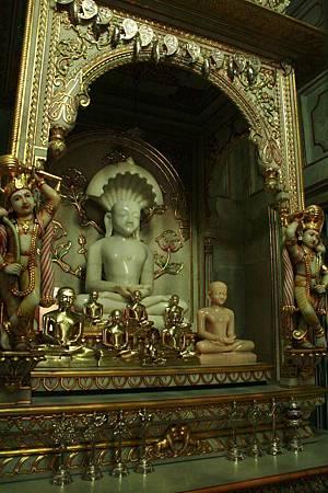 印度景點-加爾各答-耆那教寺廟_f556.jpg