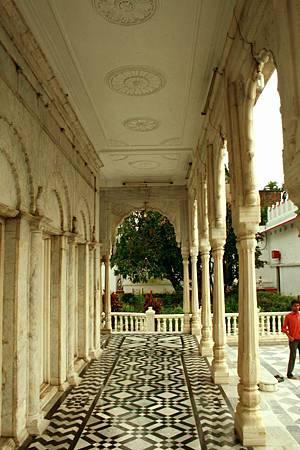 印度景點-加爾各答-耆那教寺廟_f585.jpg