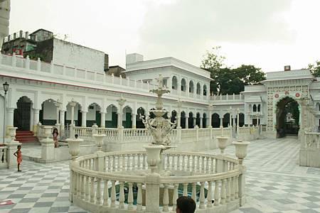 印度景點-加爾各答-耆那教寺廟_f584.jpg