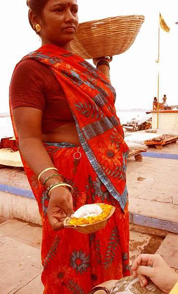 印度瓦拉納西河畔祭典 153.jpg