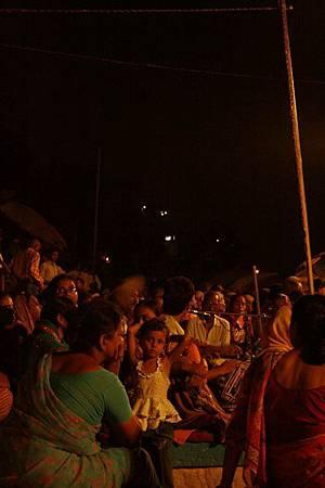 印度瓦拉納西河畔祭典 160.jpg